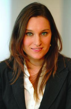 Maria Municchi Cropped Corporate Profile_CMYK-1