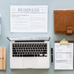 Consulente finanziario di successo con la tecnologia