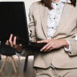 Consulente finanziario donna